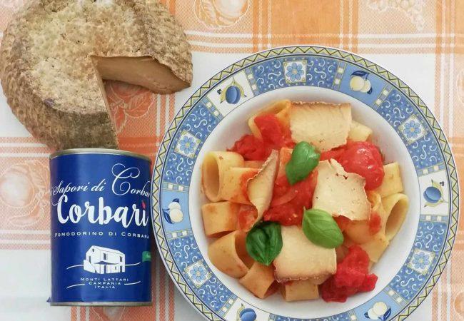 piatto di pasta pasta ricotta e pomodorini corbarini