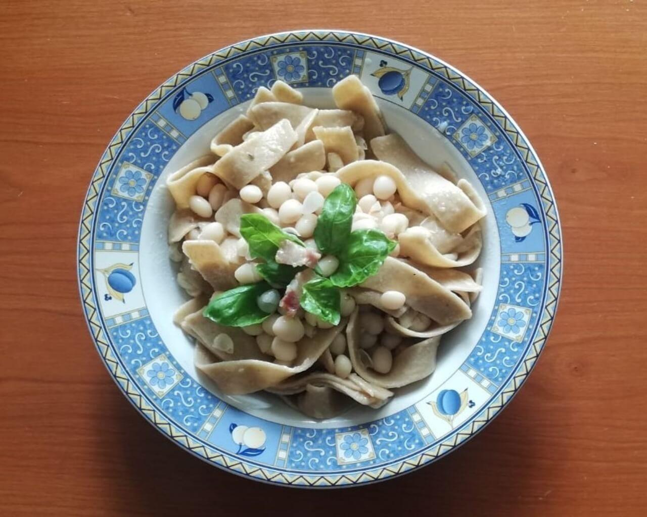 piatto di lagane di farina di fagiolo di Controne